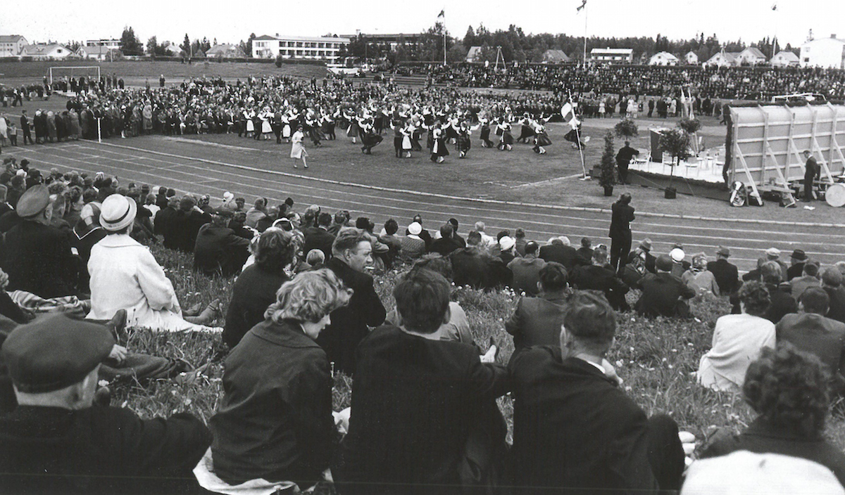 Celebrations to mark Itikka's 50th year of operation packed out Seinäjoki's central sports field on 14 June 1964.