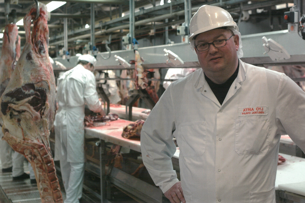 Strong roots in Lihakunta. Paavo Juntunen, foreman of Atria's meat cutting plant in Kuopio.