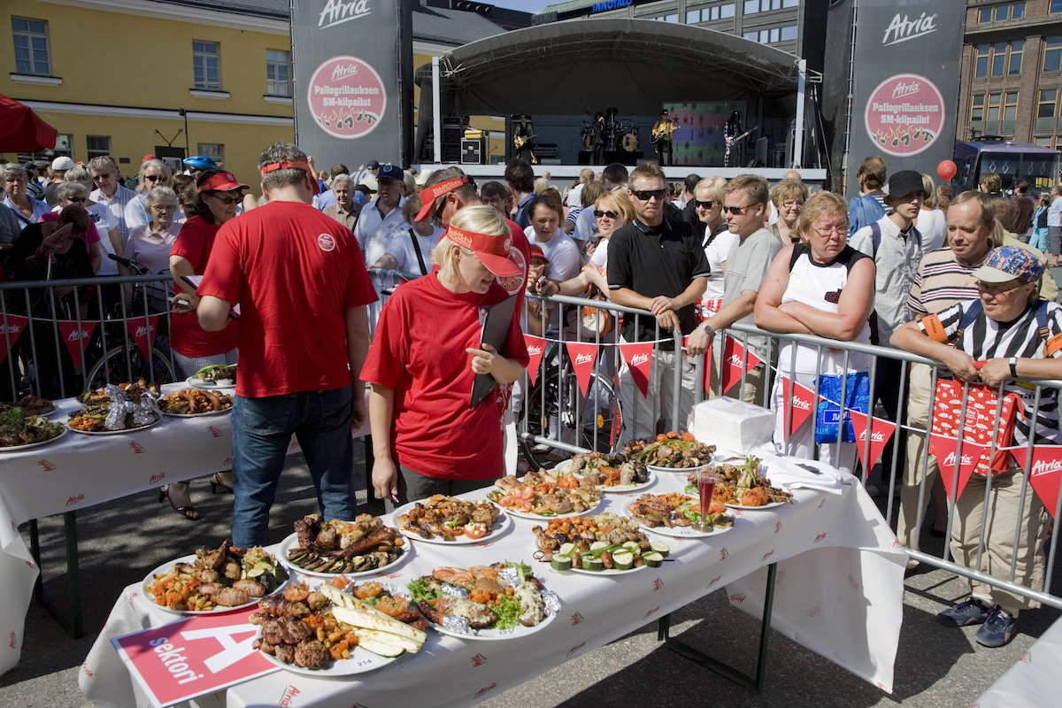The Finnish national kettle barbecuing championships were arranged in 2007. Difficult to choose the best but easy to eat.